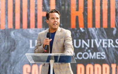Pastor Sam Rodriguez encourages Liberty students to be children of light